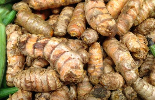 raw turmeric root