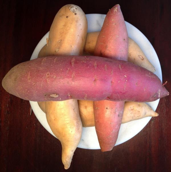 uncooked sweet potatoes and yams